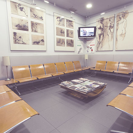 Sala de espera en clínica menorca